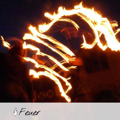 Fächer Feuerschlucken